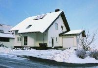 Wohnkomfort im Winter: Der richtige Wandbaustoff hat entscheidenden Einfluss auf das Raumklima und den Wärmeschutz.