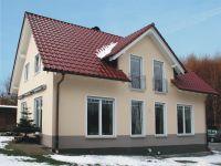 Einfach märchenhaft: Massives Ziegelmauerwerk schützt im Winter vor Frost und Kälte (Bild: UNIPOR, München).