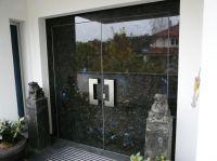 TUEREN-ART stone door - Haustüranlage mit Naturstein Labradorite Blue mit verbreiterten Rahmen