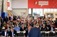 Rund 150 Teilnehmer bei der Frühjahrstagung von Deutschem Holzfertigbau-Verbandes e.V. (DHV) und 81fünf AG © Achim Zielke