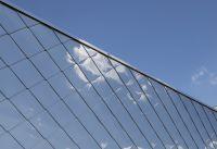 Fassaden aus Metall bieten eine eindrucksvolle Außenansicht und sind leicht zu reinigen. (Foto: Boehme Systems Vertriebs GmbH)