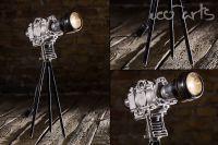 Exklusive Design Lampe 'Häckel Cam' aus alten Maschinenteilen in Form einer Kamera