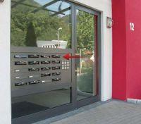 Türseitenteil-Briefkastenanlagen wie hier sind jetzt auch in wärmeisolierender Ausführung erhältlich.   Foto: allebacker Sch