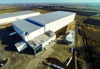 Mit X-Dek 135 bietet Kingspan ein neues Flachdachsystem - insbesondere für Gebäude mit großen Dachflächen. Foto: Kingspan GmbH