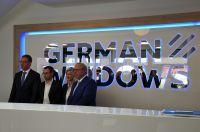 """Führungsebene bei """"German Windows"""" (v.r.n.l.): Geschäftsführer Manfred Frechen sowie Denise Schiffer, David Frechen und Helmut Paß"""
