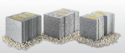 Gefüllte Leichtbeton-Mauersteine von KLB mit Dämmstoffstecklingen überzeugen dank ihrer hervorragenden Ökobilanz.
