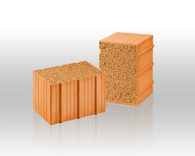 """Der """"Unipor Silvacor"""" ermöglicht dank Holzfaserfüllung die Erstellung von hochwärmedämmendem Mauerwerk (Bild: Unipor, München)."""