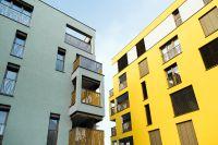 """Fünf mehrgeschossige Gebäude gehören zum Wohnpark """"Karlschwaige"""" im Landshuter Siebenbrückenweg. (Foto: Leipfinger-Bader)"""