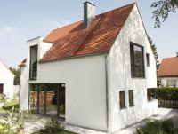 Barrierefrei geplante Immobilien aus Unipor-Mauerziegeln ermöglichen eine Nutzung in allen Lebensphasen (Bild: UNIPOR, München).