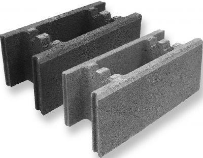 Einfache Verarbeitung: Schalungssteine von KLB ermöglichen die schnelle Errichtung von massiven Mantelbetonwänden.