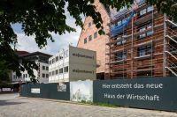 """""""Haus der Wirtschaft"""" der IHK Nürnberg: ELA Container als Baustellenbüro"""
