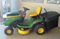 John Deere Rasenmäher-Traktor X135R