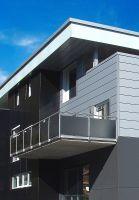 Kronoplan Color: Geeignet für die Fassaden- und Balkongestaltung. (Foto: Kronospan)