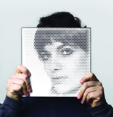 Portraits mit Halvtone über das Internet in Holz fräsen