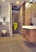 Insbesondere das Badezimmer sollte auch für das Leben im Alter ausgerichtet sein. (Hanlo Haus)