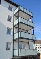 Das Balkonsystem AluOne eignet sich besonders für den nachträglichen Anbau an Gebäuden. Foto: Balco Balkonkonstruktionen GmbH
