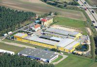 Das Hanlo-Werk in Freiwalde zählt zu den modernsten Fertighaus-Produktionsstätten in Europa. (Foto: HANLO Haus)