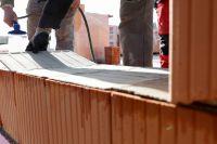 Mörtelpads von maxit: Schnellerer, einfacherer Mauervorgang mit höherem Arbeits- und Gesundheitsschutz für Maurer.