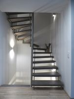 Neue Treppe mit Blockstufen