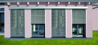 Raffstore und Rolladen bieten vielfältige Gestaltungsmöglichkeiten für moderne Architektur  Foto: Folgner Rolladensysteme