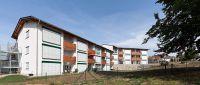 """Die Seniorenresidenz """"Sonnenhügel"""" in Ergoldsbach verbindet nutzflächensparendes Bauen mit einem ästhetischen Erscheinungsbild."""