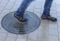 Rutschfeste Schachtabdeckungen tragen maßgeblich zur Unfallverhütung und Arbeitssicherheit bei.  Foto: KHK, Karlsruhe