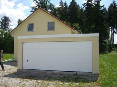 Solide Garagen aus Blech mit Montage und 10 Jahren Gewährleistung  auf die Blechgarage