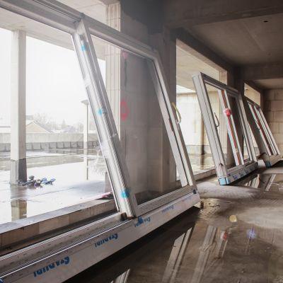 """261 Fenster, 99 Hebe-Schiebetüren und 65 Haustüren hat German Windows in den """"Ostwall Terrassen"""" verbaut (Foto: German Windows)."""