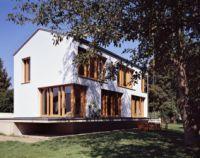 Außenwände aus massiven Mauerziegeln gleichen Temperaturschwankungen aus und erzielen so ein behagliches Wohnklima.