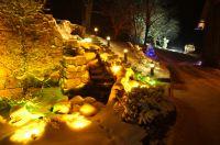 Mit der richtigen Beleuchtung haben Besitzer das ganze Jahr über viel Freude am eigenen Garten.  Bild: Licht von Klein