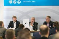 Dieter Heller (Bundesverband Leichtbeton), Clemens Kuhlemann (Lebensraum Ziegel), Michael Hölker (BDB). (Foto: Klaus D. Wolf)