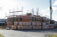 Ohne weitere Vorfertigungszeiten können Unipor-Mauerziegel sofort ab Lager auf die Baustelle geliefert werden.