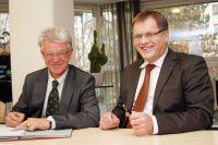Prof. Thomas Doyé, Vize-Präsident der THI (links) und Heribert Fastenmeier, Geschäftsführer des Klinikums Ingolstadt.