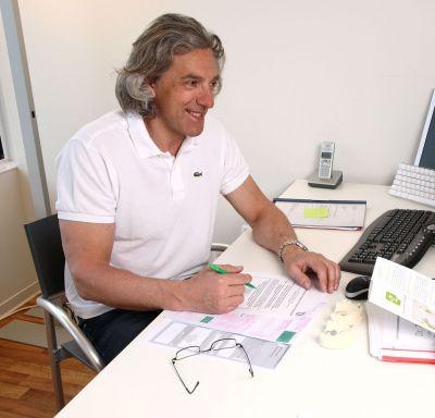 Dr. A. Berstein, Gründer der Praxisgruppe Dr. Z