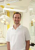 Zahnarzt Dr. med. dent. Henrik-Christian Hollay, Zahnarztpraxis Dres. Hollay, München