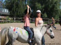 Gesundheitsfördernde Pferde- Therapie für erkrankte Kinder
