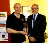 Dr. Zierau von SAPHENION mit Jean-Luc Montoulieu von Medtronic