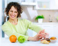 Obst und Basica Direkt aus der Apotheke unterstützen den Körper bei der Reduzierung überschüssiger Säure. Foto: panthermedia.net
