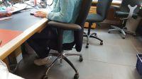 Individualisierter Bürodrehstuhl/Bürosessel mit gepolsterter Armlehne