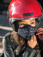 Die komfortablen und stylishen R-PUR Nano Masken sind auch bei Motorradfahrern beliebt. Foto: R-PUR