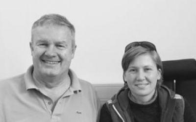 Matthias Maus mit Sarah Reindl nach erfolgreicher LASIK