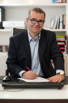 Dr. Adrian Flohr ist Gynäkologe und Geschäftsführer von Medplus Nordrhein in Düsseldorf und Krefeld.
