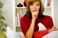 Erwachsene verwechseln Keuchhusten häufig mit einer hartnäckigen Erkältung. Eine Auffrischungsimpfung schützt wirksam