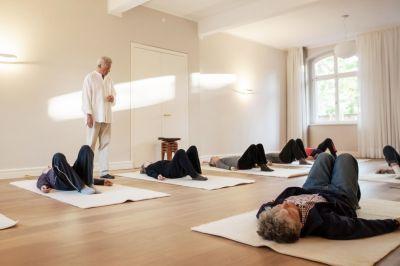 """In der Osnabrücker """"Praxis für aktive Gesundheit"""" startet im September ein neuer Feldenkrais-Gruppenkurs."""