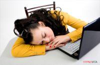 Powernapping bewahrt vor Burnout und lädt die inneren Batterien wieder auf