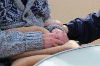 So schützen wir Seniorenheime vor Corona!