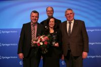 Janina Colmorgen gewinnt den Pflegemanagement-Award 2015 (vlnr P. Bechtel, R. Herbold, J. Colmorgen, K.-J. Laumann)