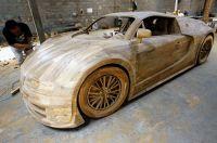 Luxussportwagen Bugatti Veyron aus purem Teakholz