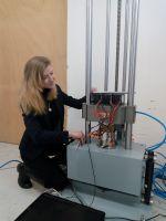 Batterien in der Mechanischen Schockprüfung, einer der umfangreichen Tests für Transportsicherheit