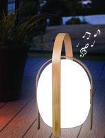 Eine gelungene Verbindung von LED, Bluetooth-Lautsprecher und Holzelementen präsentiert Mooni Limited. Foto: Firma